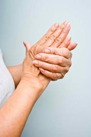 Consejos Anti-Edad: Evitando las Manos Arrugadas